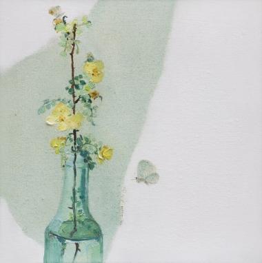 瓶花和蝴蝶